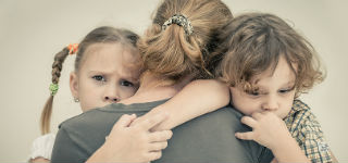 Shine banner – mother and children sad 320 x 150